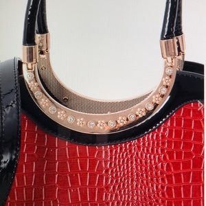 Handbags - RED LIZARD SKIN PATTERN FAUX LEATHER TOTE BAG